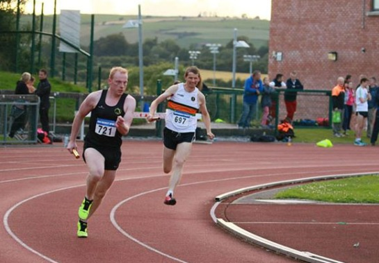 Keith Burke building up a lead in the first 400m leg